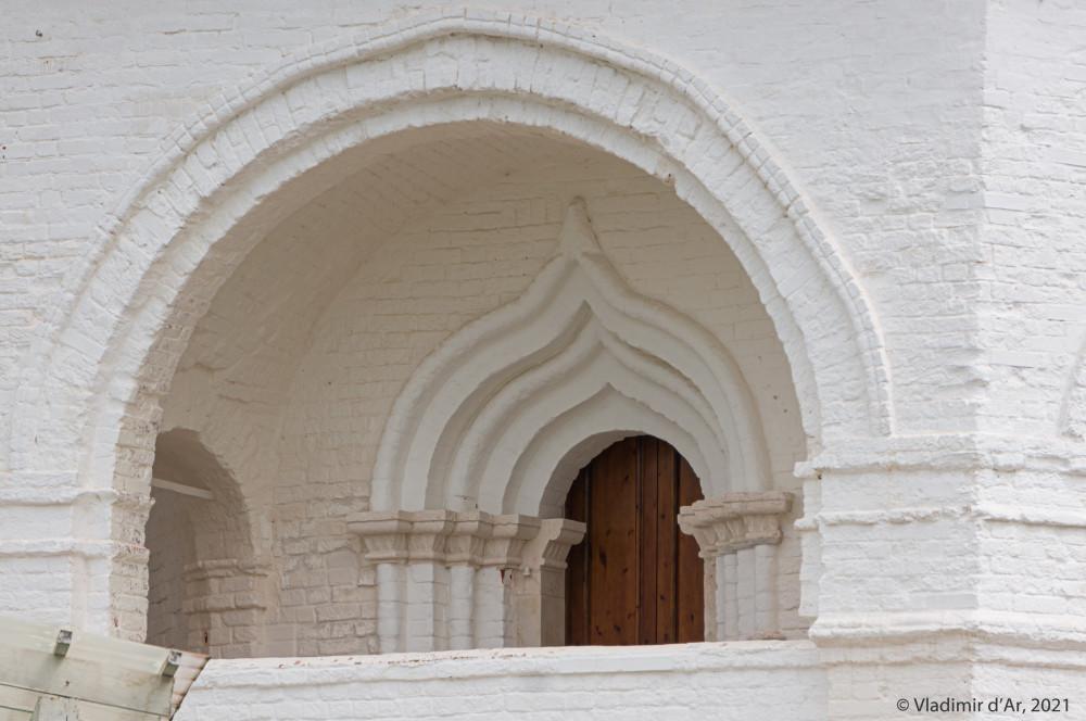 08. Западный портал второго уровня Колокольни