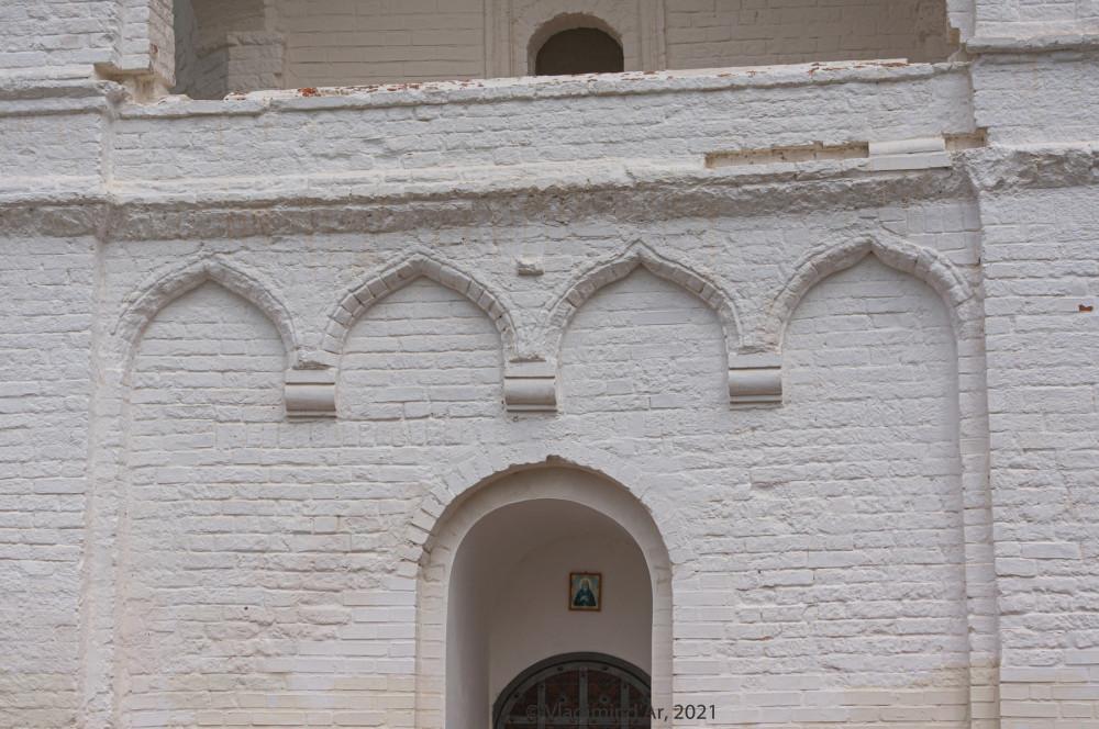 12. Архитектурные детали первого яруса колокольни
