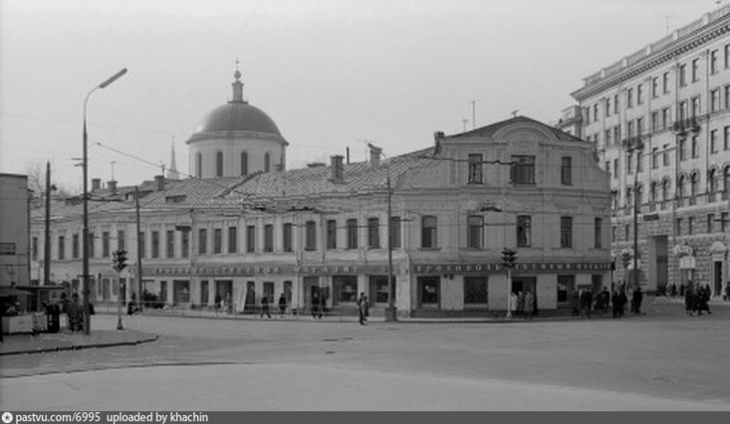 Площадь Никитских ворот