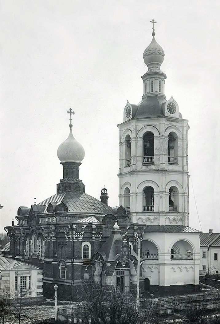 06. Сергиевский храм и монастырская колокольня. 1890-1910 годы.