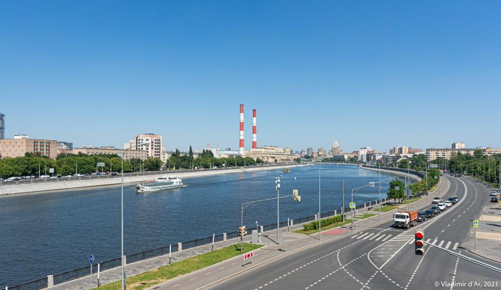 12. Вид Москвы с Лужнецкого моста - вид в сторону Нового Арбата