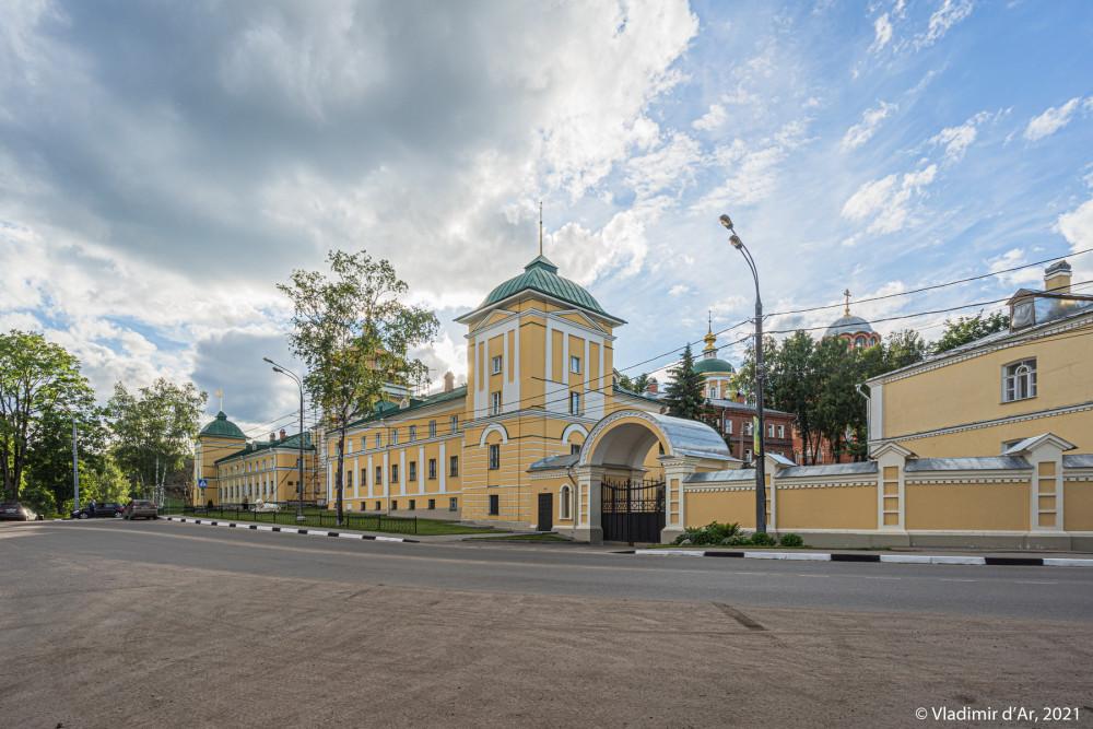 13. Покровский Хотьков монастырь - вид с юго-востока