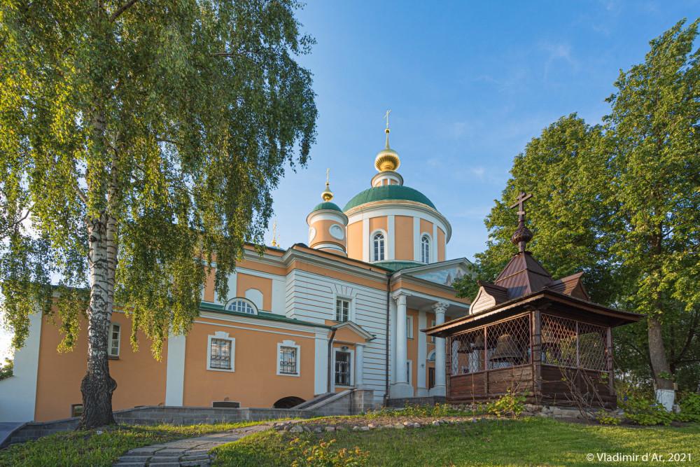 14. Покровский собор (2) и Деревянная колокольня (1990-е гг.) (6)