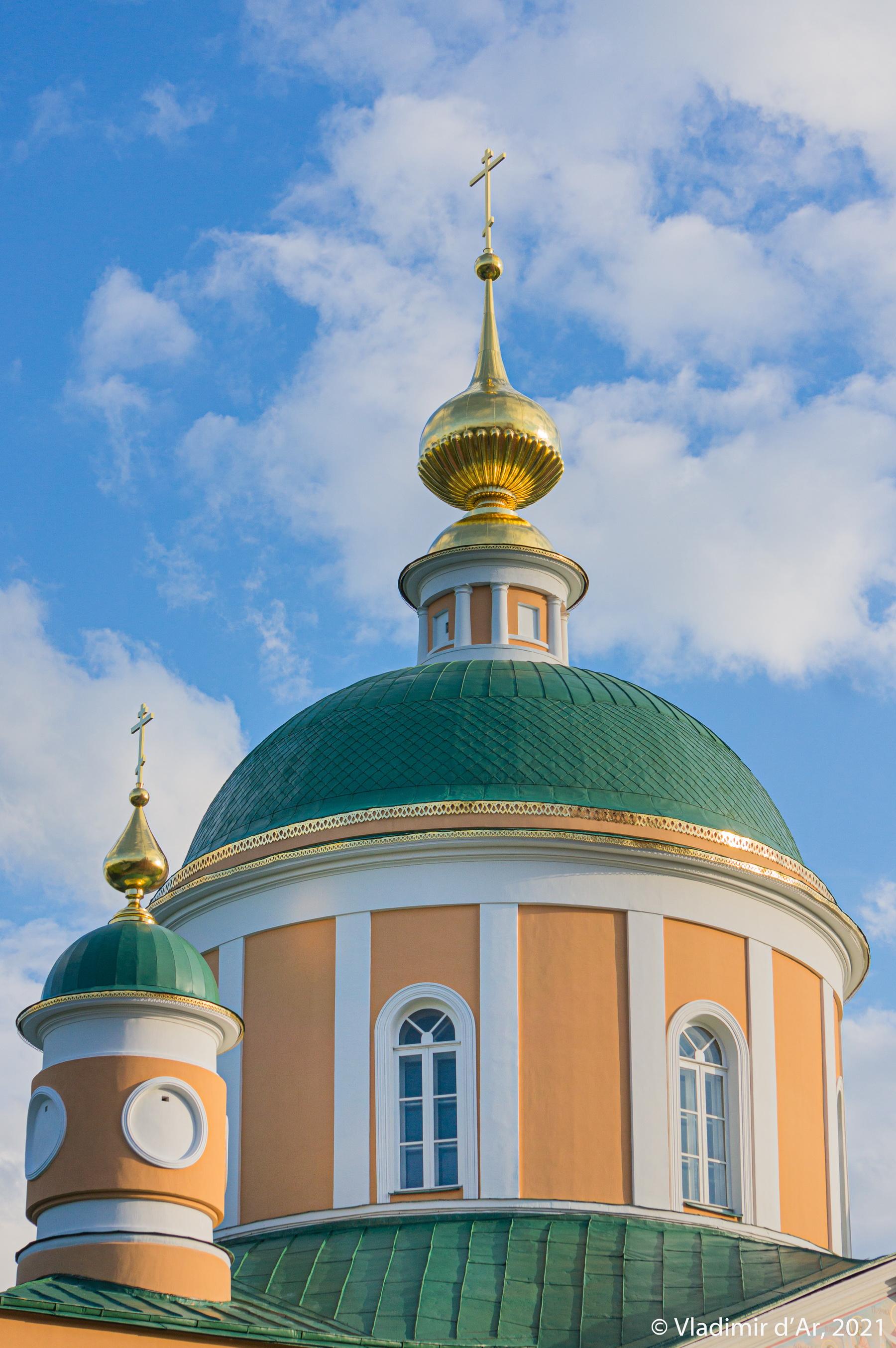 11. Главный световой барабан Покровского собора