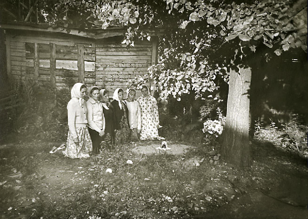 20. Молебен на месте захоронения (сокрытия) мощей прп. Кирилла и Марии в советское время