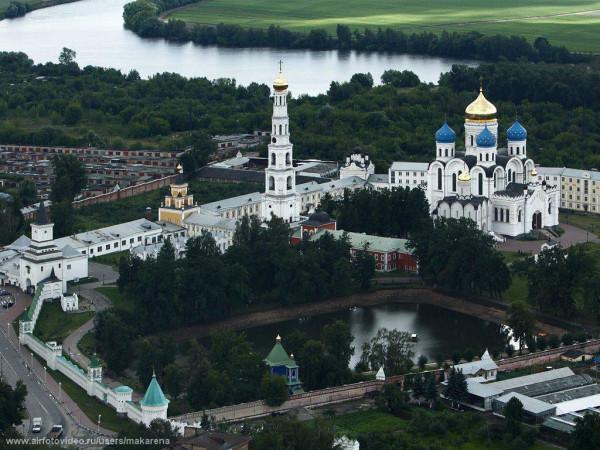 Вид на монастырь  - аэрофотосъемка