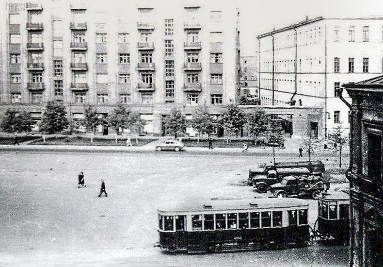 Хохловская площадь