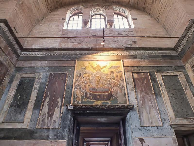 Наос церкви Христа Спасителя в Полях. Хора.