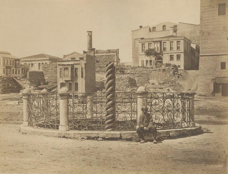 Паскаль Себа. Змеиная колонна на главной площади Константинополя Султанахмет 1850-1860-e