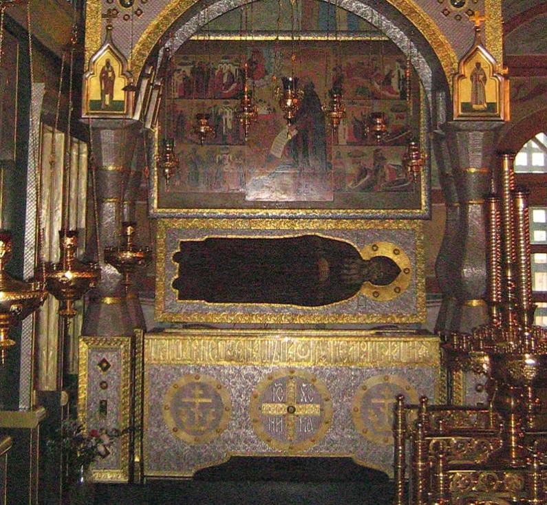 Рака преподобного Пафнутия в Свято-Пафнутьевом монастыре