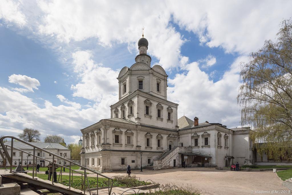 Спасо-Андроников монастырь. Церковь Архангела Михаила.