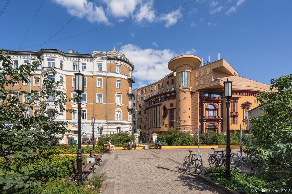 Сквер Библиотеки имени И.С. Тургенева