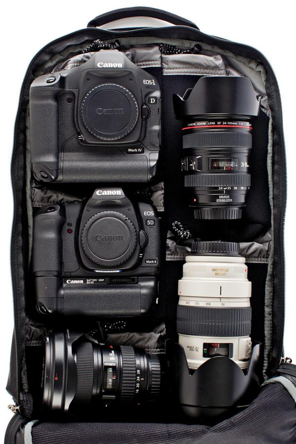 Фото рюкзак Think Tank Shape Shifter - размещение фототехники Canon