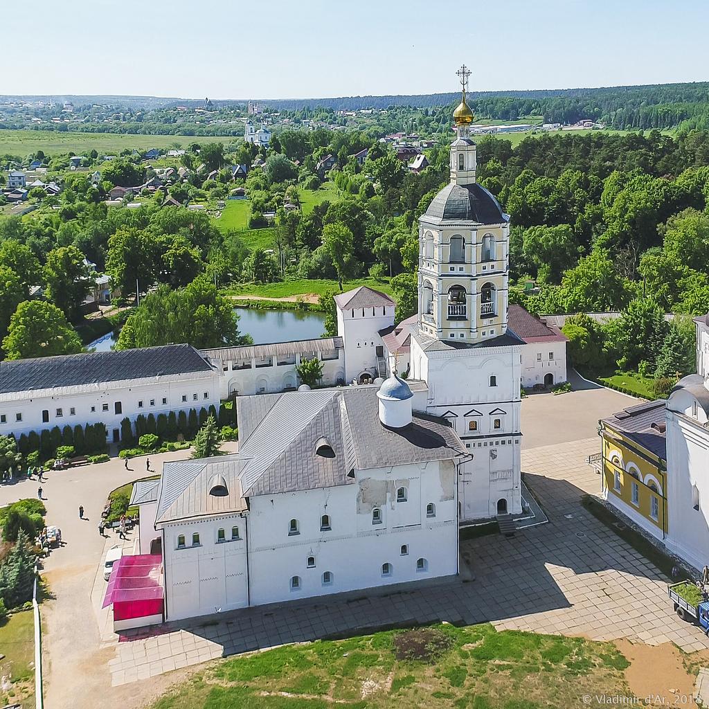 Колокольня Свято-Пафнутьева монастыря