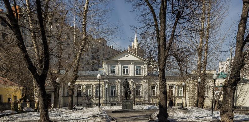 Усадьба САБАШНИКОВЫХ в Москве в Большом Левшинском переулке