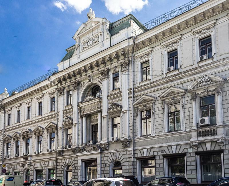 Доходный дом Московского купеческого банка с магазинами и товарными складами