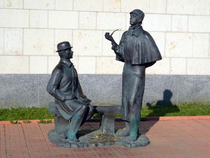 Памятник великим сыщикам в Москве