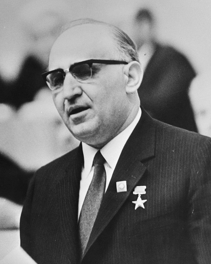 Живков Тодор Христов-Янко , генеральный секретарь ЦК Болгарской коммунистической партии с 4 марта 1954 года по 10 ноября 1989 года