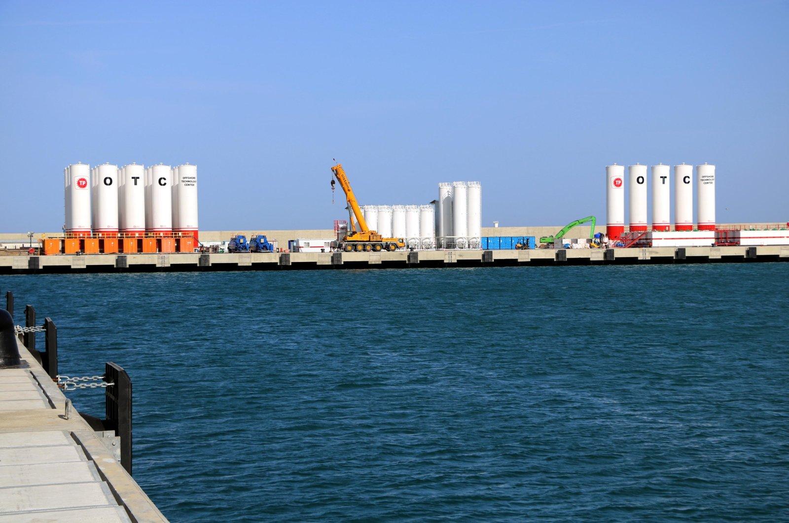 Часть порта Филос, видимая на этой фотографии, Зонгулдак, северная Турция, 25 января 2021 года. (Фото DHA)