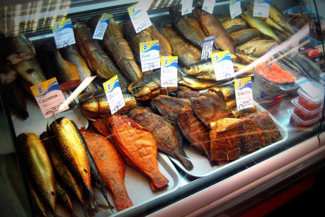 Икра и копчёная рыба