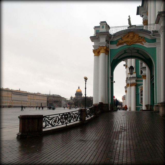 Дворцовая площадь, вид на Эрмитаж