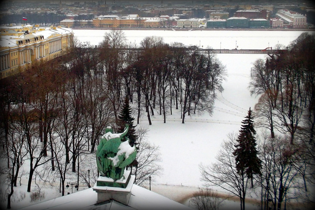 Вид на Сенатскую площадь и Васильевский остров