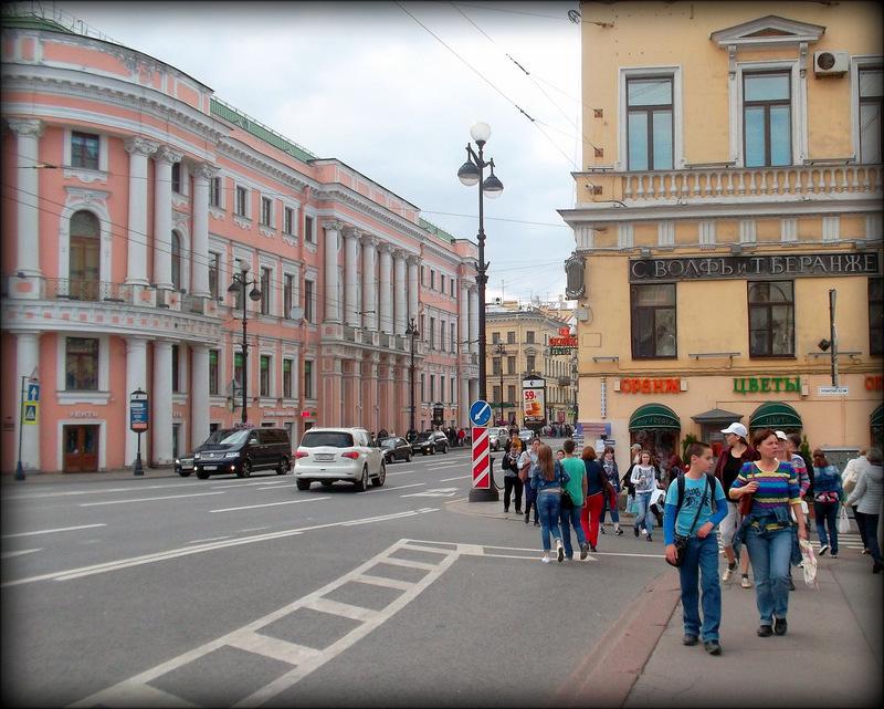 Угол Невского и Мойки