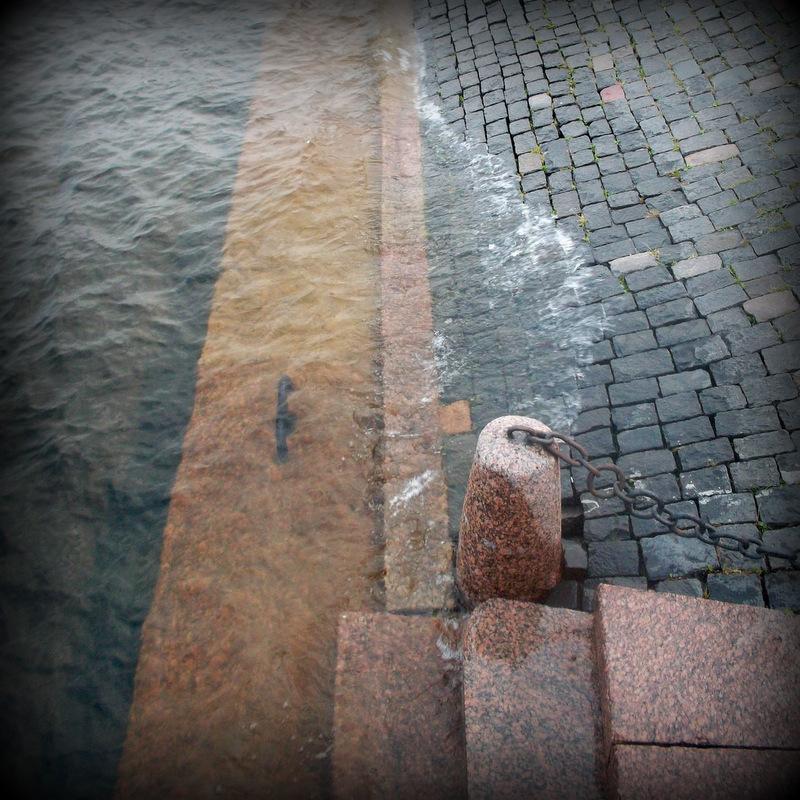 Спуск к воде