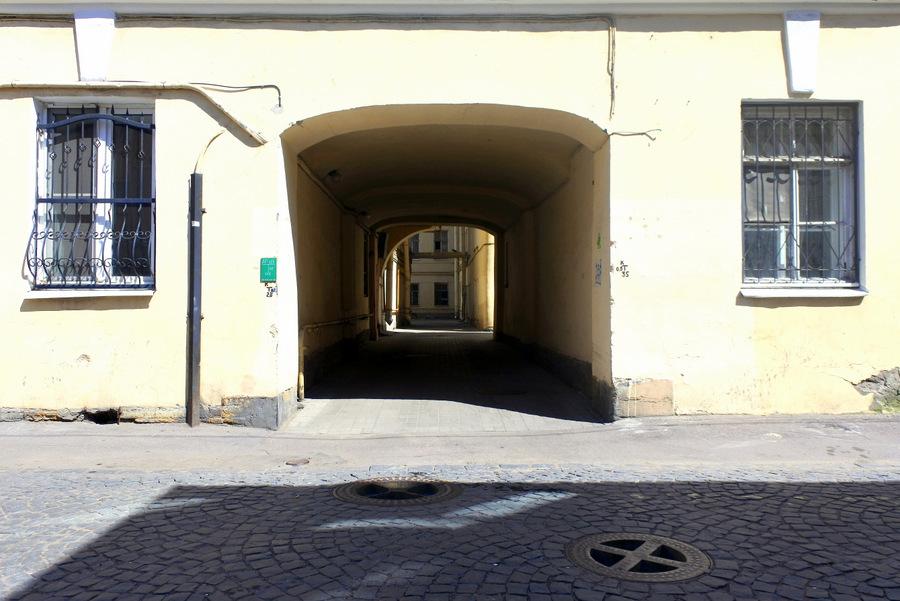 На улице Репина
