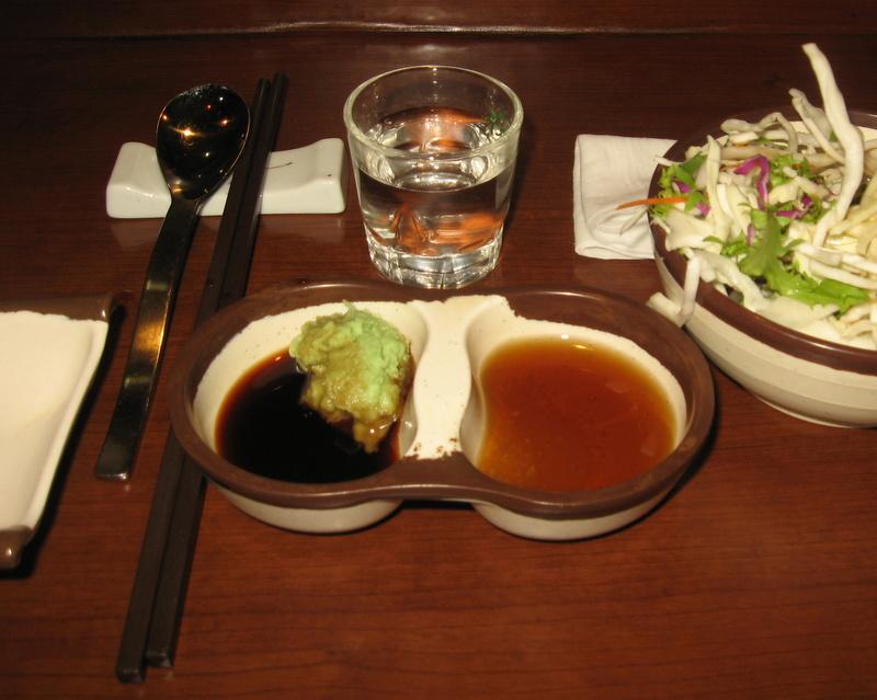 соевый соус с васаби и кунжутное масло