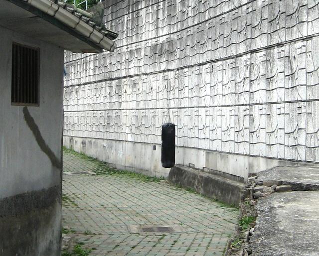 Перед храмом