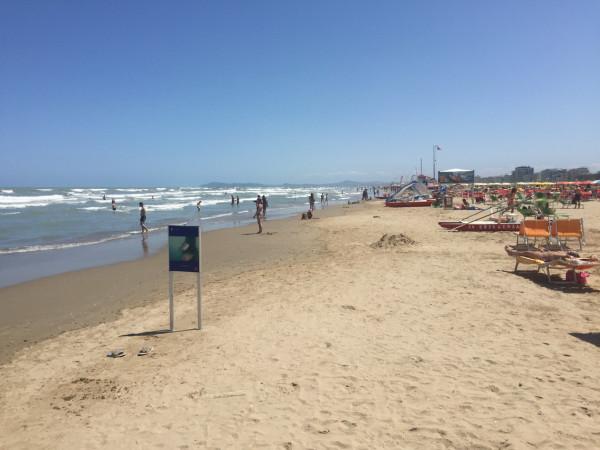 Пляж в Римини