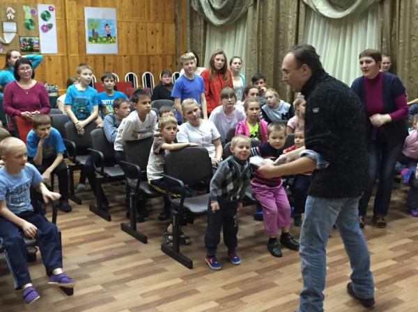 Денис Власов и дети