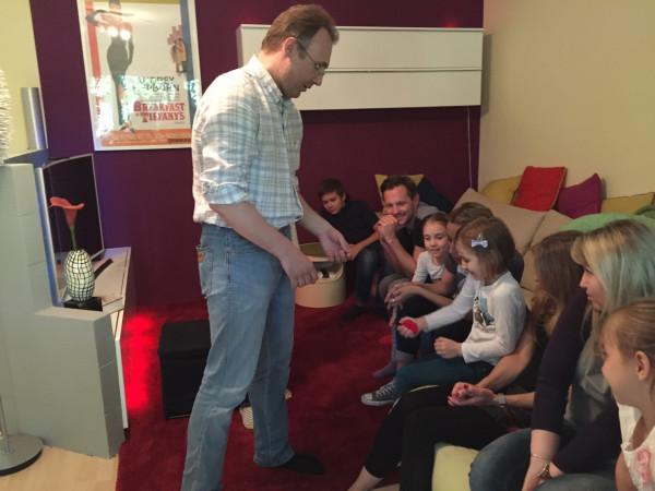 Выступление с фокусами на дому
