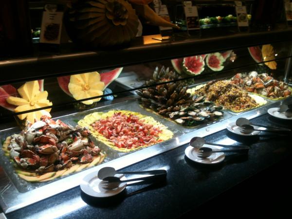Шведский стол из морепродуктов