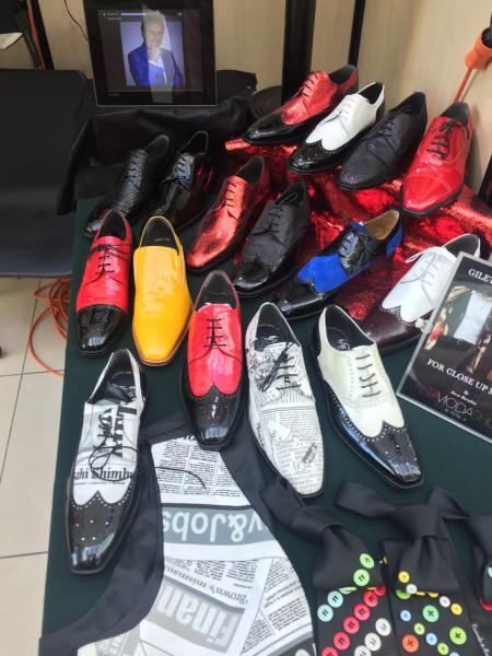 Черно-белые ботинки