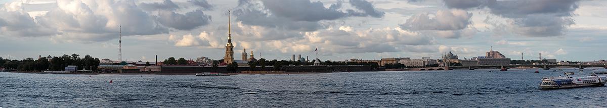 4. Петропавловская крепость, Троицкий мост.jpg