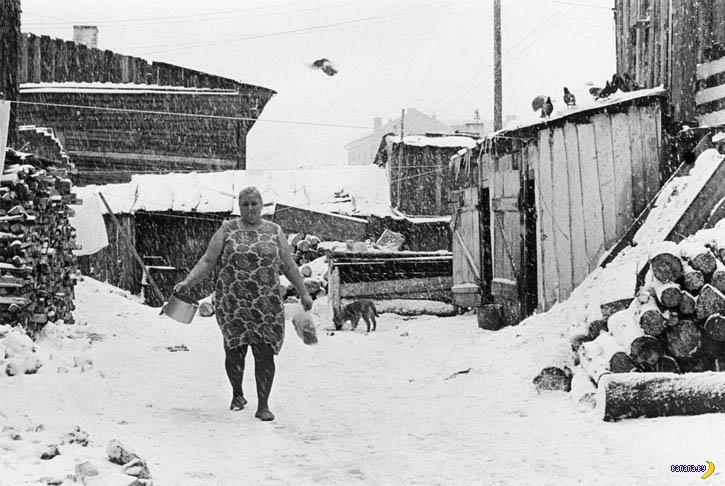 Советский туалет, вонючий и беспощадный