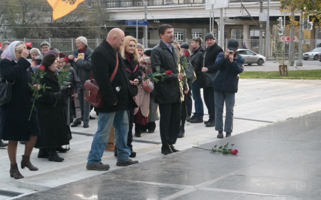 V-20151013-РОДИНА приняла участие в пикете за переименование станции метро Войковская-pic4