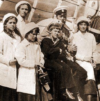 20181224-Митрополит Волоколамский Иларион- Я надеюсь, что переименование аэропорта Мурманска в честь Государя Николая II — это только первый шаг