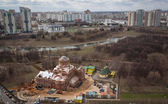 20150525_09-05--Расследование РБК- кто финансирует строительство новых храмов в Москве-pic1. (Фото: Алена Кондюрина для РБК)
