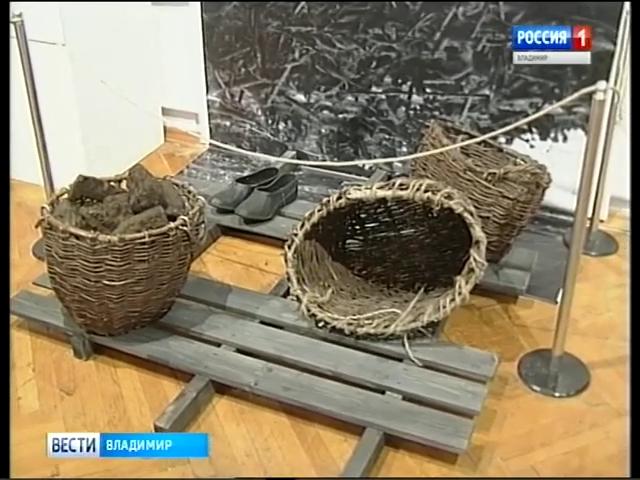 20190102_16-07-Вдова и сын Александра Солженицына посетили владимирскую экспозицию, подготовленную к столетию писателя-pic62