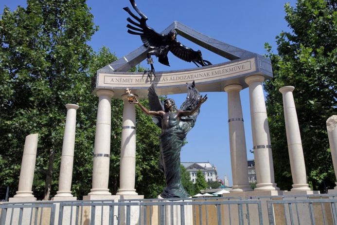20140724-Проклятый памятник