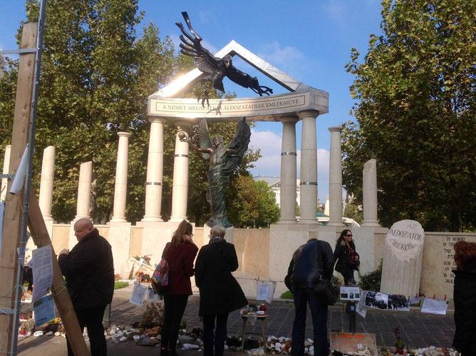 20141104-Два дня в Будапеште. Часть третья. Мемориал жертвам немецкой оккупации на площади Свободы -pic11