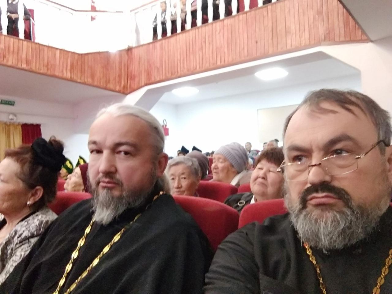 Священнослужители епархии протоиерей Георгий Балакин и иерей Вячеслав Аминов