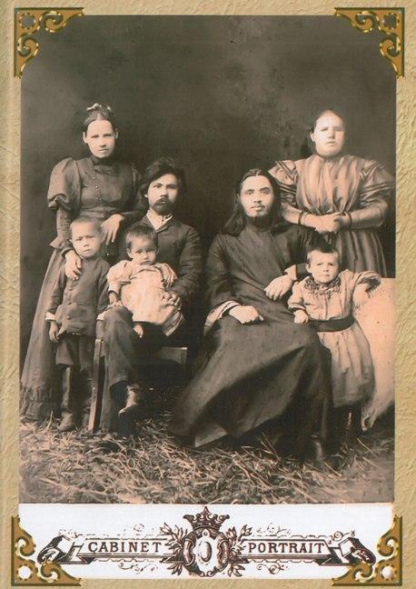 Гуркин с семьей миссионера о.Владимира Постникова