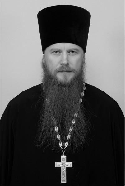20170127-В РПЦ предложили «Бессмертному полку» прекратить бесконечно выезжать за счет победы в ВОВ