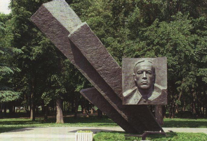 20141228_13-38-Дмитрий Карбышев стал «Славным именем Омска»