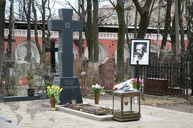 20190801_02-12-В годовщину кончины А.И. Солженицына на его могиле будет отслужена панихида-pic1