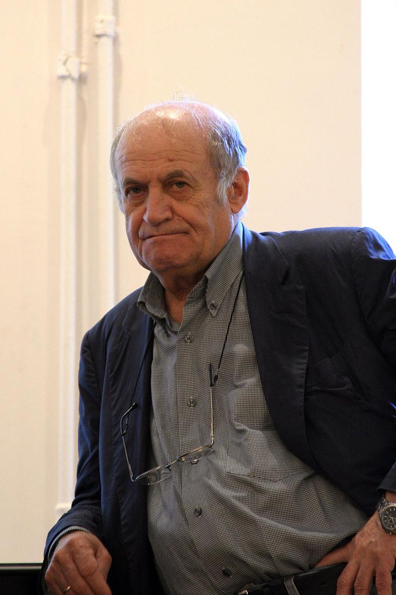 Давид Боровский 5 июля 2005 года в музее Ахматовой на выставке работ художницы Веры Матюх